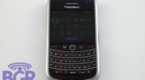 BlackBerry 9630 gets first review