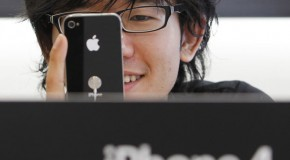 iPhone 4 problems could cause delay for Canadians, even recalls