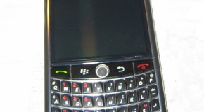 BlackBerry Niagara 9630 poses for pictures, again