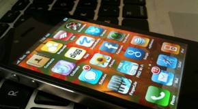 iPhone 4 unlock shown off but not available yet